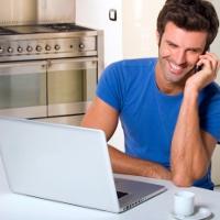 """¿Trabajar desde casa? Cinco empleos """"marketeros"""" que se amoldan a su sofá"""