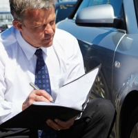 Requisitos para ser perito de automóviles